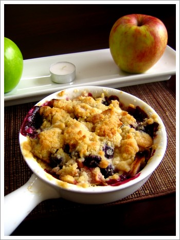 Halloween Apple Blueberry Crumble.jpg
